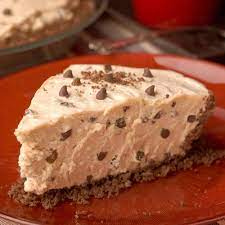 Wind and Willow No Bake Peanut Butter Chocolate Chip Pie