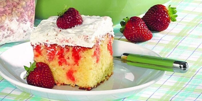 strawberry-poke-cake